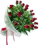 Kıbrıs internetten çiçek siparişi  11 adet kirmizi gül buketi sade ve hos sevenler