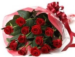 Kıbrıs çiçek online çiçek siparişi  10 adet kipkirmizi güllerden buket tanzimi