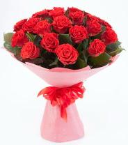 12 adet kırmızı gül buketi  Kıbrıs çiçekçiler