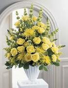 Kıbrıs çiçekçiler  sari güllerden sebboy tanzim çiçek siparisi