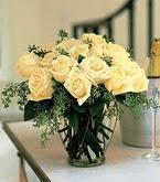Kıbrıs çiçekçiler  11 adet sari gül mika yada cam vazo tanzim