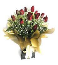Kıbrıs online çiçek gönderme sipariş  11 adet kirmizi gül  buketi