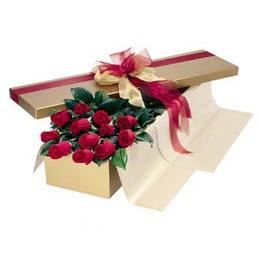 Kıbrıs 14 şubat sevgililer günü çiçek  10 adet kutu özel kutu