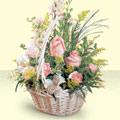 Kıbrıs hediye sevgilime hediye çiçek  sepette pembe güller