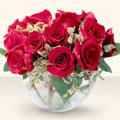 Kıbrıs çiçek mağazası , çiçekçi adresleri  mika yada cam içerisinde 10 gül - sevenler için ideal seçim -