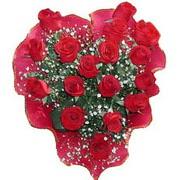 herseyi ile kirmizi buket   Kıbrıs çiçek mağazası , çiçekçi adresleri