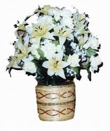yapay karisik çiçek sepeti   Kıbrıs güvenli kaliteli hızlı çiçek