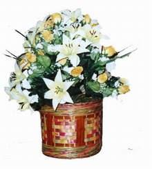 yapay karisik çiçek sepeti   Kıbrıs 14 şubat sevgililer günü çiçek