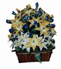 yapay karisik çiçek sepeti   Kıbrıs çiçek satışı
