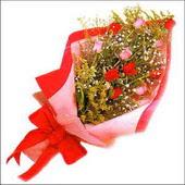 12 adet renkli  gül buketi   Kıbrıs internetten çiçek satışı