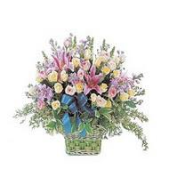 sepette kazablanka ve güller   Kıbrıs çiçek satışı