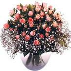 büyük cam fanusta güller   Kıbrıs çiçekçi telefonları