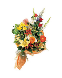 mevsim çiçekleri buketi   Kıbrıs anneler günü çiçek yolla
