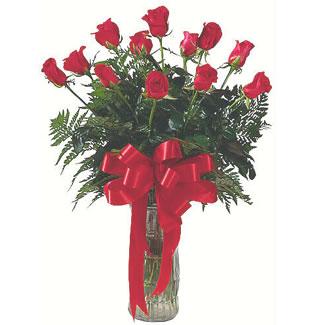 12 adet gül cam içerisinde  Kıbrıs 14 şubat sevgililer günü çiçek