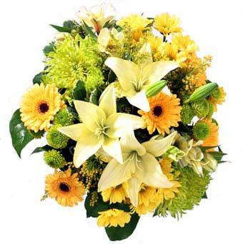 karisik mevsim demeti  Kıbrıs uluslararası çiçek gönderme