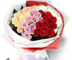 SEVENLERE ÖZEL 51 ADET GÜL  Kıbrıs internetten çiçek siparişi