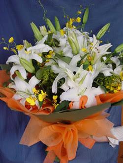 Kıbrıs internetten çiçek siparişi  5 ADET KAZABLANKA BUKETI KALITEDEN SASMAYANLARA