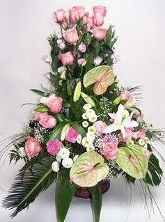 Kıbrıs çiçekçi mağazası  özel üstü süper aranjman