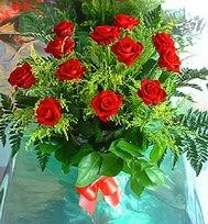 12 adet gül buketi  Kıbrıs çiçek online çiçek siparişi