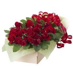 19 adet kirmizi gül buketi  Kıbrıs online çiçekçi , çiçek siparişi