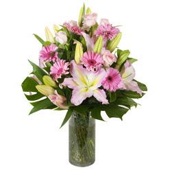 vazo içerisinde karisik mevsim çiçekleri  Kıbrıs online çiçek gönderme sipariş