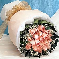 12 adet sonya gül buketi anneler günü için olabilir   Kıbrıs çiçek yolla