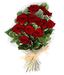 Kıbrıs çiçek gönderme sitemiz güvenlidir  9 lu kirmizi gül buketi.
