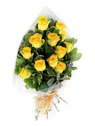 Kıbrıs online çiçekçi , çiçek siparişi  12 li sari gül buketi.