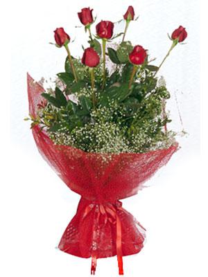 Kıbrıs kaliteli taze ve ucuz çiçekler  7 adet gülden buket görsel sik sadelik