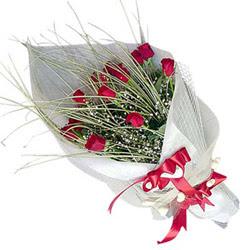 Kıbrıs çiçek yolla , çiçek gönder , çiçekçi   11 adet kirmizi gül buket- Her gönderim için ideal