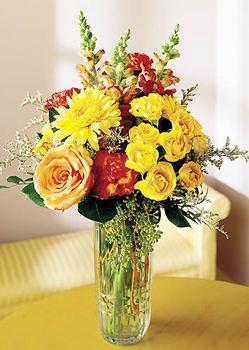 Kıbrıs hediye sevgilime hediye çiçek  mika yada cam içerisinde karisik mevsim çiçekleri