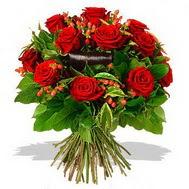 9 adet kirmizi gül ve kir çiçekleri  Kıbrıs internetten çiçek siparişi