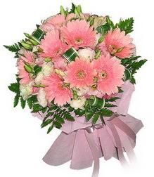 Kıbrıs 14 şubat sevgililer günü çiçek  Karisik mevsim çiçeklerinden demet