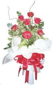 Kıbrıs çiçekçiler  7 adet kirmizi gül buketi