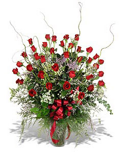 Kıbrıs çiçekçiler  33 adet kirmizi gül vazo içerisinde