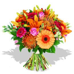 Kıbrıs çiçek , çiçekçi , çiçekçilik  Karisik kir çiçeklerinden görsel demet