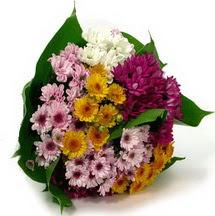 Kıbrıs çiçek , çiçekçi , çiçekçilik  Karisik kir çiçekleri demeti herkeze