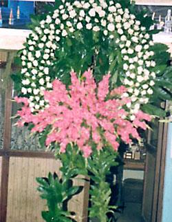 Cenaze çelenk , cenaze çiçekleri , çelengi  Kıbrıs internetten çiçek siparişi