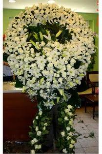 Cenaze çelenk , cenaze çiçekleri , çelengi  Kıbrıs ucuz çiçek gönder