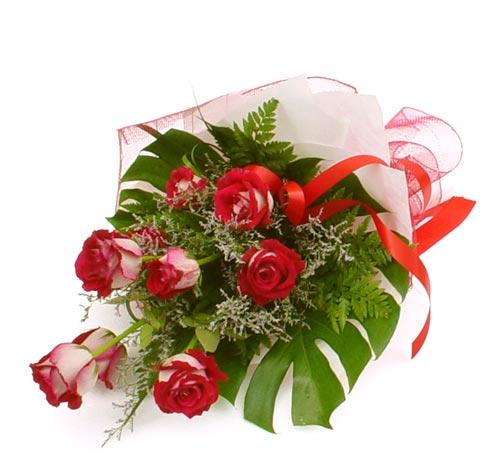 çiçek gönder 7 adet kirmizi gül buketi  Kıbrıs yurtiçi ve yurtdışı çiçek siparişi