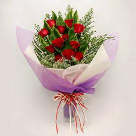 çiçekçi dükkanindan 11 adet gül buket  Kıbrıs internetten çiçek satışı