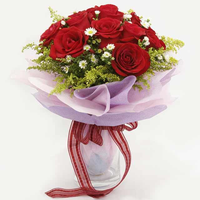 Çiçek gönderme estetikliginiz 11 gül buket  Kıbrıs internetten çiçek satışı