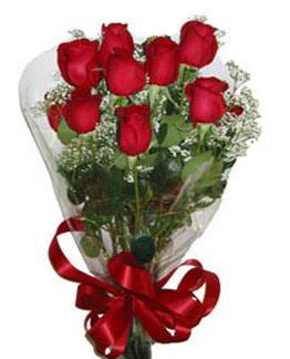 Çiçek sade gül buketi 7 güllü buket  Kıbrıs cicekciler , cicek siparisi