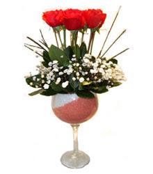 Kıbrıs çiçek siparişi vermek  cam kadeh içinde 7 adet kirmizi gül çiçek