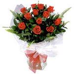 Kıbrıs hediye çiçek yolla  9 adet güzel bir gül buketi