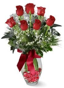 7 adet vazoda gül  Kıbrıs internetten çiçek siparişi  kirmizi gül