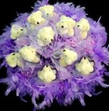 11 adet pelus ayicik buketi  Kıbrıs hediye çiçek yolla