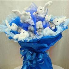 7 adet pelus ayicik buketi  Kıbrıs hediye çiçek yolla
