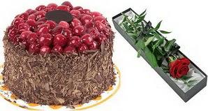 1 adet yas pasta ve 1 adet kutu gül  Kıbrıs anneler günü çiçek yolla
