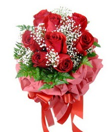 9 adet en kaliteli gülden kirmizi buket  Kıbrıs kaliteli taze ve ucuz çiçekler